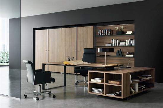 1838 m2 produktion, lager, kontor i Them til leje